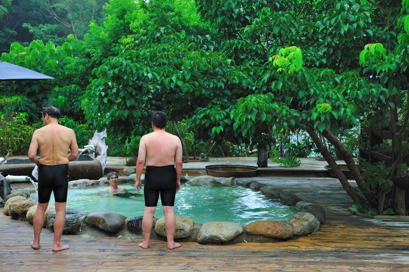 In the winter to an open-air hot spring bath, is to enjoy is also a pleasure Bathing Adult Day Enjoyment Enthusiasm Friendship Full Length Leisure Activity Love Men Nature Open Air Outdoors People Real People Rear View Shirtless Spa Swimming Pool Togetherness Tree Two People Warmth Water