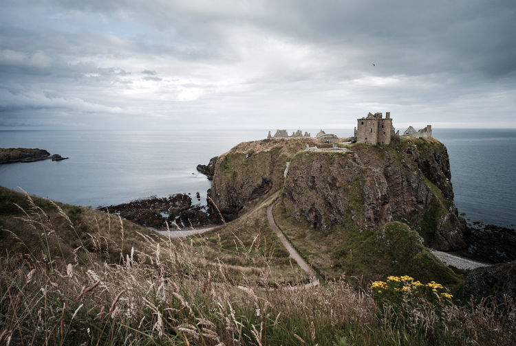 SCENIC VIEW OF DUNNOTTAR CASTLE