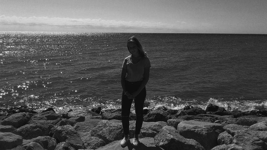 Море, я люблю тебя  Sea Horizon Over Water Water Beauty In Nature Stone - Object Seascape Sky Idyllic Tourist Nature Tourism First Eyeem Photo я_люблю_небо закат🌇 черно-белое Sea Horizon Over Water Water Scenics Standing Tranquil Scene Vacations Beach Leisure Activity