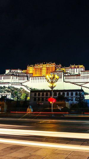 布达拉宫 Potala Palace Tibet China 拉萨 Lhasa 西藏 Potala Palace 布达拉宫 Illuminated Architecture Building Exterior Built Structure