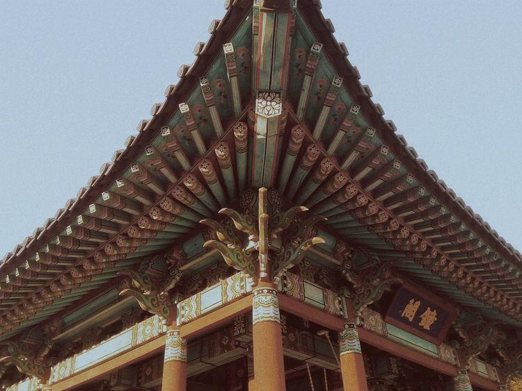 Enjoying The View Hello World Korea VSCO Mobilephotography On The Road Historical Building Memery