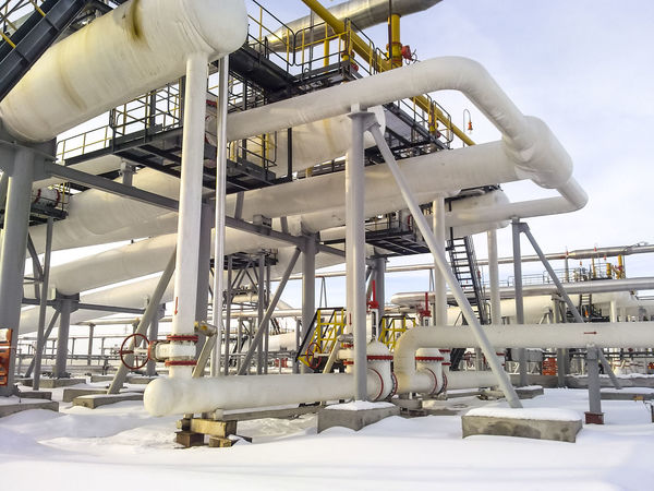 Oil Oil Pump Gas Gasprom Rosneft Refinery Industry Pipe - Tube Machinery Day Pipeline Fuel And Power Generation Nature Snow Outdoors Cold Temperature Architecture Factory Metal White Color Winter Industrial Equipment Sky Technology Built Structure