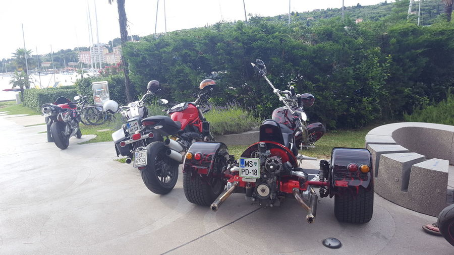 Hanging Out Taking Photos Check This Out Hello World Relaxing Enjoying Life People Walking  People Photography All Over The World Motorcycle Club Harley4life Harleychoppers HarleyDavidsonMotorcycles Harley Davidson Motorsport Motorcycles On The Road