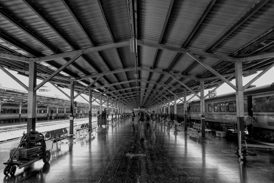 As one journey ends, another journey and adventure begins. Backpacking Solotravels Railwaystation Railway Station Hua Lamphong Railway Station, Bangkok, Thailand Bangkok EyeEm Thailand Travelling Urban Photography Black And White