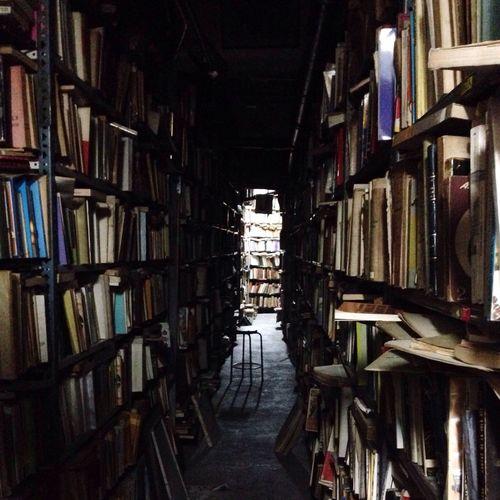 La gran pulpería de Caracas Venezuela CCS Books Full Bookstore Pulperia Scary