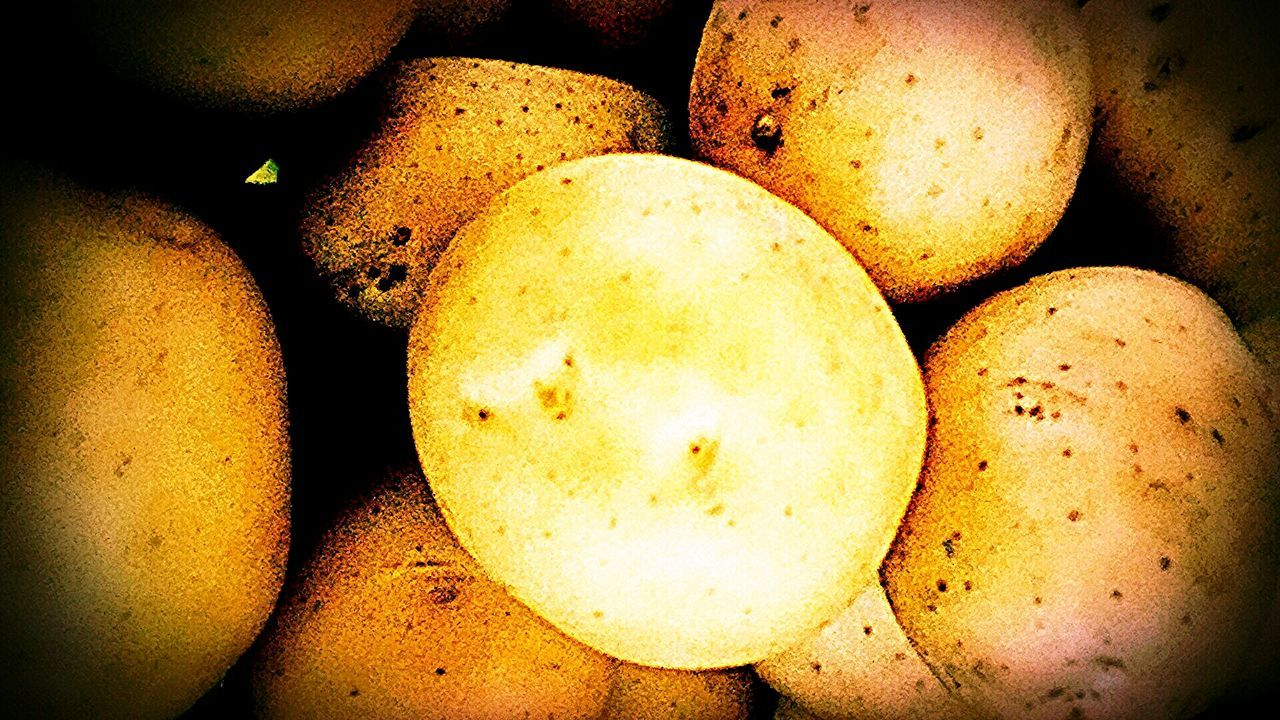 food and drink, full frame, healthy eating, raw potato, close-up, backgrounds, food, no people, freshness, indoors, fruit, yellow, nature, day
