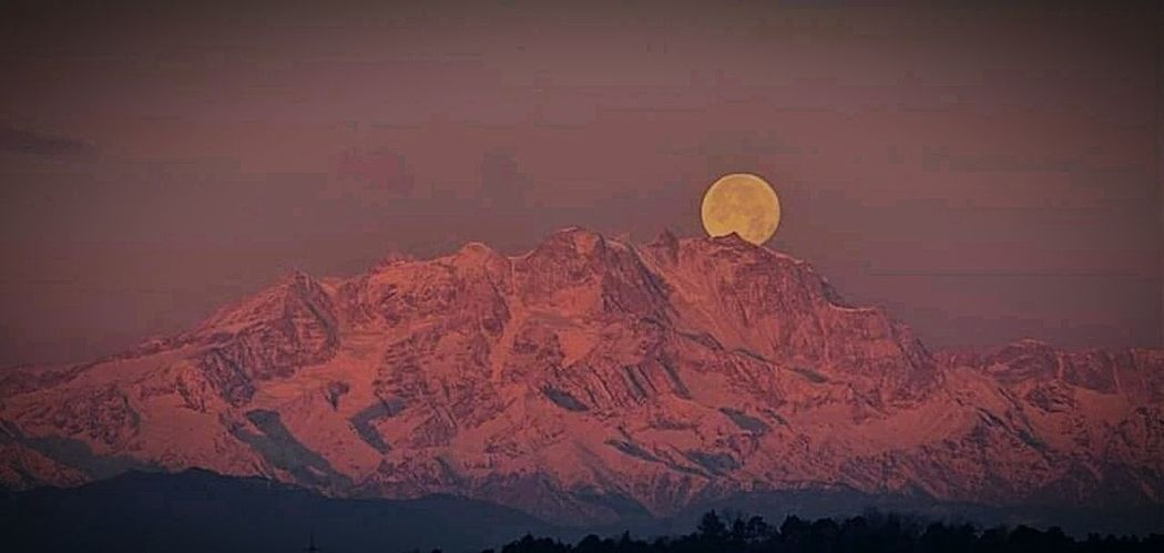 could be better, but I want you to meet our Monte Rosa (pink mountain) Mountain Scenics Beauty In Nature Nature Outdoors Landscape Mountain Range Sunset Snow No People Sky Day Moon Sunset_collection Pink Illuminated Range Beautiful Nature