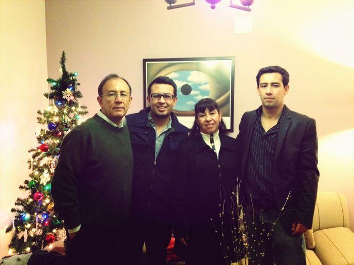 Familia En Navidad!! (falta Julio)