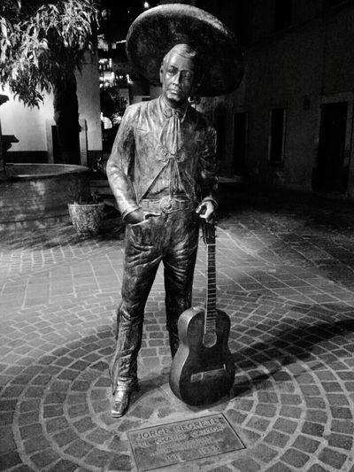 Jorge Negrete... Guitar Music