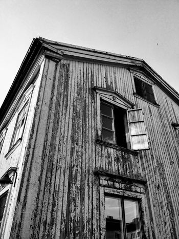 Time for a coat of paint. Window Oldhouse Gammalthus Fading Sweden Sky Architecture Building Exterior Built Structure Deterioration Façade Weathered