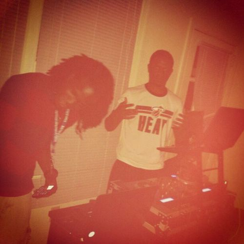 TBT  PartyMemories SCSU house party 3 turnt, it was so hot tha walls was sweatin!