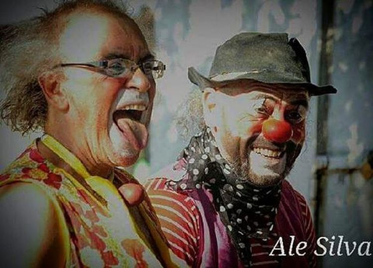 . Our Clowns :-) . Photo: Ale Silva - Foco Fixo © @focofixo_alesilva Photooftheday Photo Art Everydayusa Streetphotography UrbanART Composition Everydaybrasil Capture Instalike Moment Everydaylatinoameria Instacool Love Canon Instago Canon70d Canon_official