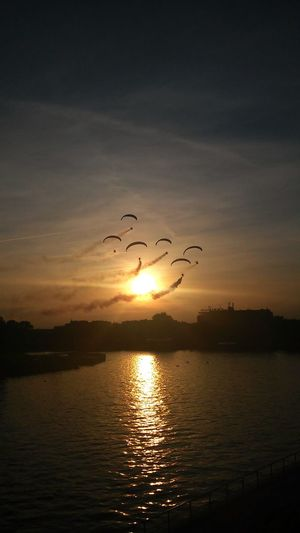 Flying People High Fly Like A Bird Like Angel 😂 So Many Colors Spectacular Scenery Special👌shot Sunset View. River View City At Night City Life Many Emotions Many People With Friends Going Into The New....