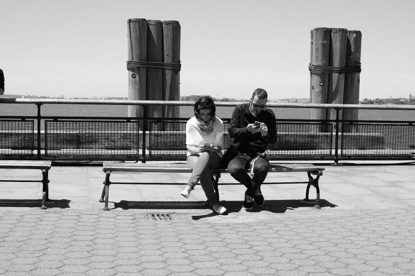 On a date???? This is all they did while I was sitting there...@ least 45 minutes...at battery park Check This Out Streetphoto_bw Eye4photography  What Eye See  Newyorkcity The Week Of Eyeem Street Photography Street Art Street Life