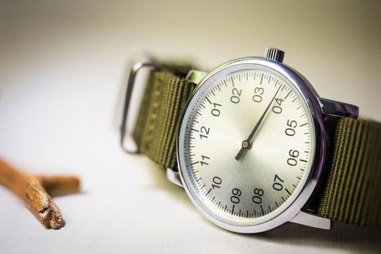 Time Clock Pocket Watch Indoors  Clock Face Minute Hand No People Mono Aiguille Business Finance And Industry Studio Shot Urgency Watch Wristwatch Close-up Hour Hand Day
