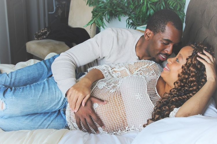 EyeEm Selects Couple - Relationship Married Couple Married Togetherness Bedroom Scene Love Truelove Happiness Relaxation Comfortable Curly Hair Close-up Beautiful Amazing Couple Pregnant Phtography Pregnant Pregnant Belly  Portrait Casual Clothing Smiles