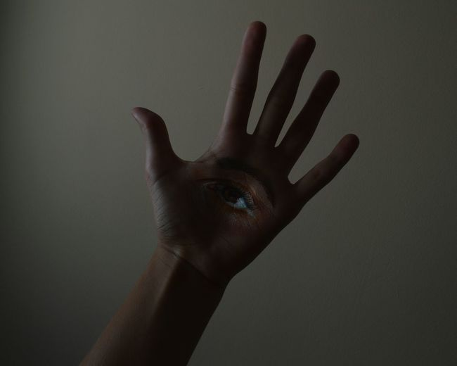 Palm Human Hand Human Finger Human Body Part Silhouette Close-up People Soft Light Soft Light Lights Experiments Experimenting... Experiment Experiments With Light Paint Painted Eye The Week On EyeEm