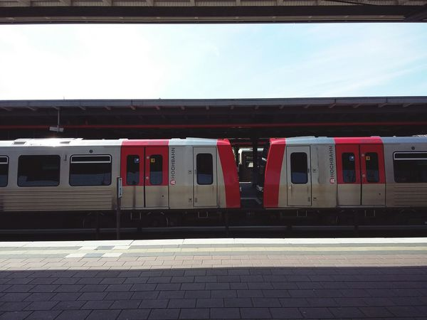 Hamburg Metro Trains. · Germany 040 Barmbek Train Train Station Subway Station Public Transportation On The Way Platform Sunny Day Shade Light And Shadow Simplicity Minimalism Geometry Parallels