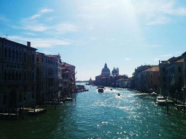 Veneza Travel Destinations City Sky Architecture Water Outdoors No People Cityscape Day