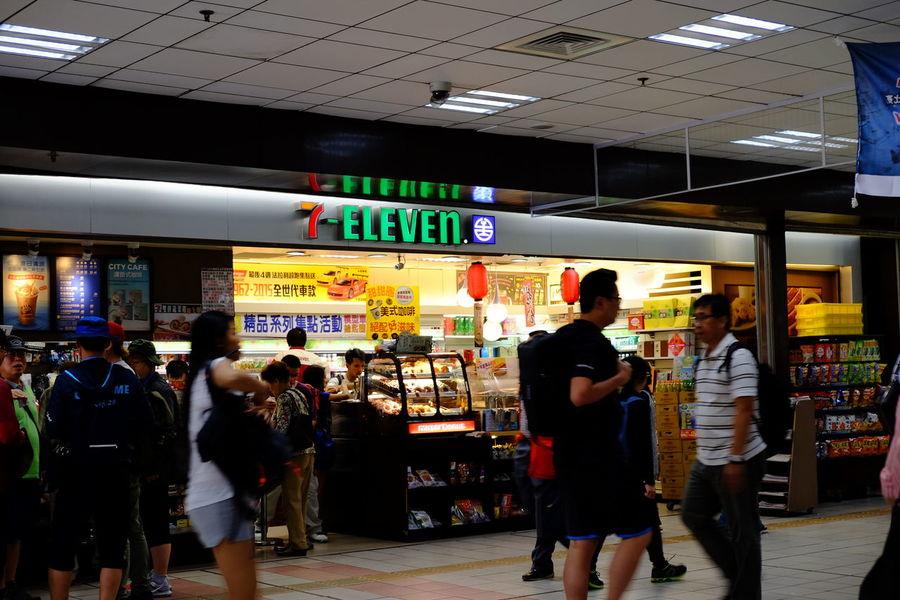台北車站 台北駅 City Fujifilm Fujifilm X-E2 Fujifilm_xseries Information Sign Retail  Station Store Taipei Station Taiwan XF18-55mm セブンイレブン 台北 台北市 台北車站 台北駅 台湾 台湾旅行 臺北 臺灣
