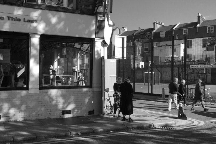 AMPt - Street NEM Black&white Street Life Monochrome Blackandwhite London Blancoynegro Streetphotography Walking Around Streetphotography_bw Flaneur Street Streetphoto_bw NEM Street