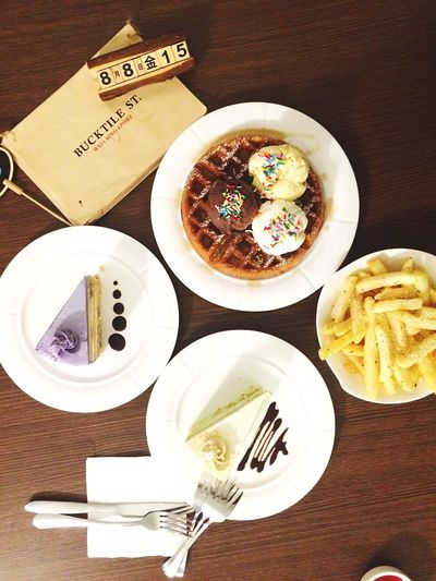 Bucktile Street Cafe Food Glorious Food Food Foodphotography Waffle Ice Cream Cake Trufflefries Friends