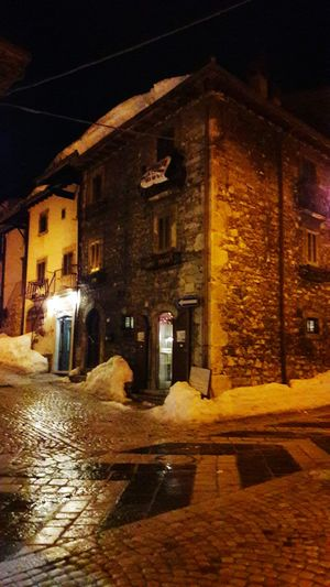 Pescocostanzo Night Medioeval Building Snow ❄ Cold Night Old Building  Night View Lantern Light Borgo Charming Old Building  Winter Illuminated Winter Night Medioeval Village Borghitalia Old-fashioned Stones No People Outdoors