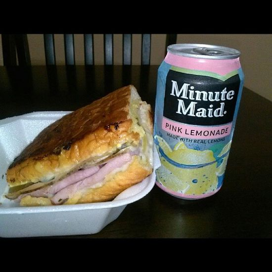 Last weeks launch I forgot to upload, This Cuban sandwich was amazing Cubansandwich Minutemaid Pinklemonade Lunch foodporn