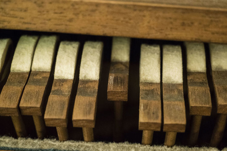 Piano Backgrounds Brown Close-up Day Focus On Foreground Hammer Indoors  Music Musical Equipment Musical Instrument No People Old Pattern Piano Piano Insides Piano Interior Piano Key Selective Focus Side By Side Wood - Material