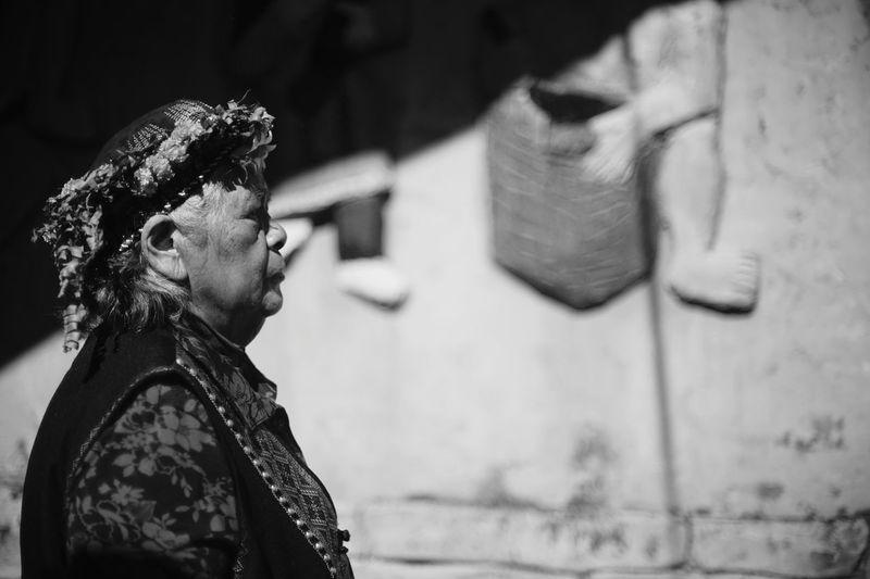 原住民 Aborigines Culture And Tradition Culture Tranditional Taiwanese Culture Black And White Monochrome Aging Process Streetphotography Inspired Old Woman Adults Only One Woman Only Adult People Focus On Foreground Real People Press For Progress This Is Aging This Is My Skin The Portraitist - 2018 EyeEm Awards