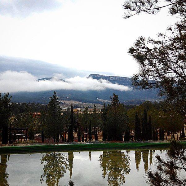 Fontes Campament Castalla Natura Lluvia Nubes Agua Boira Niebla Nublado Mojado Humedad Gotas Fresco Verde Pinos Lago Montanas Paisaje Nice Cute Libre Day