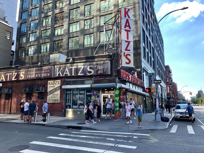 Katz's, Lower