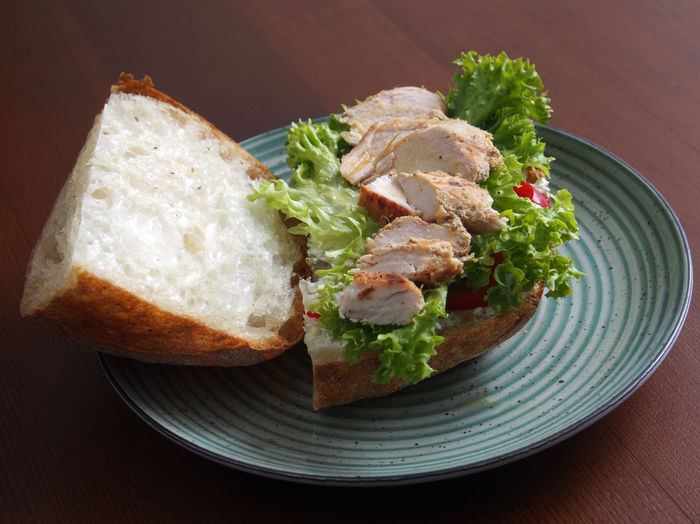 Chicken fillet with salad and white bread. Salad Bread Chicken Fillet Close-up Day Food Food And Drink Freshness Healthy Eating Indoors  Lettuce No People Plate Ready-to-eat Sandwich Serving Size SLICE Table White Bread.