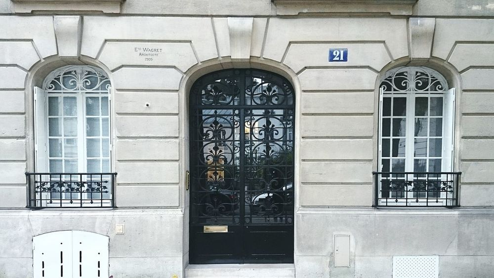 Paris Immobilier Haussman Building Classic Classical Architecture Elegance Everywhere Architecture Architectural Detail Architecturelovers Building Art Home Wall Wall - Building Feature