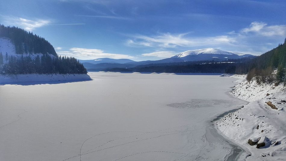 Frozen Lake Mountain Snow Cloud - Sky Landscape Scenics Cold Temperature Water
