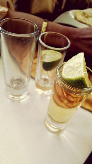 Unos tequilas...