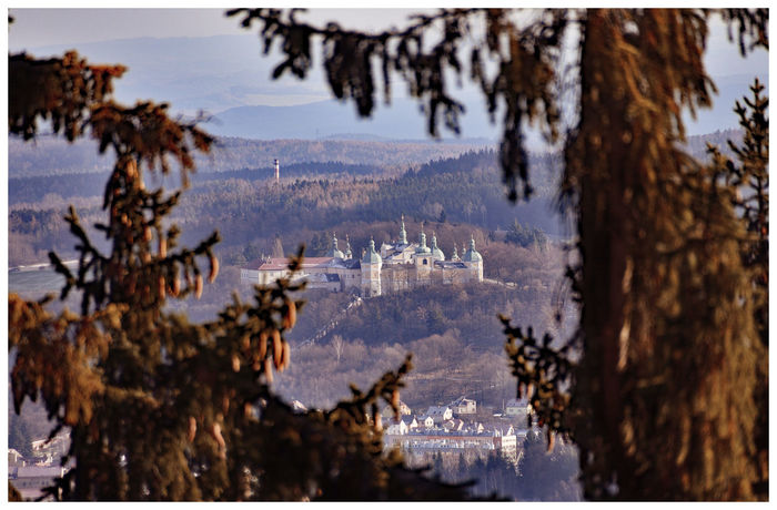 View to Pribram Heiliger Berg Kloster Landschaft Mountain View Pribram View Weite, Landschaft, Landschaftsaufnahme Beauty In Nature Böhmen Close-up Landscape Mountain Nature Outdoors Scenery Sky Tree View From Above Winter