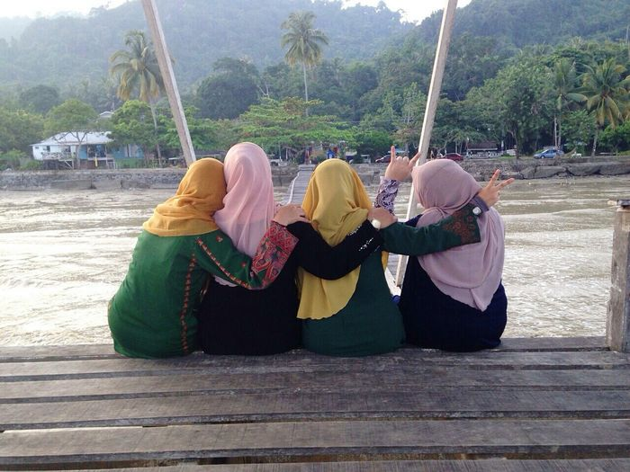 Enjoying Life Mytown Long Distance Relationship More Love More Happiness More Smile Best Friends ❤ Crayz Girls Meeting Friends Friendsforever Hanging Out With Friends BFF till Jannah.luv u