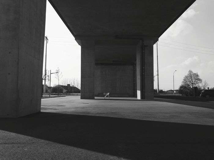 Architecture Built Structure Architectural Column Day Outdoors No People Street Photography Streetphoto_bw Streetphotography Street Black And White City Life Street Life City Monochrome Black & White Monochrome _ Collection Hobby Photography Capture The Moment HuaweiP9 EyeEm Gallery EyeEm Best Shots EyeEm The Week Of Eyeem Modern EyeEmNewHere Welcome To Black Long Goodbye The Secret Spaces Resist Art Is Everywhere TCPM
