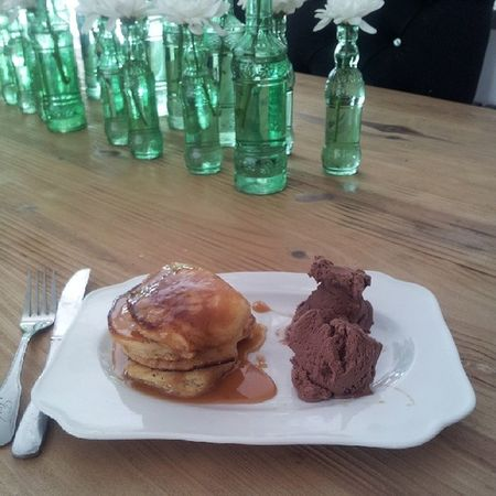 Pancakes with chocolate ice cream ...mmmmm buttery goodness perfect way to start or end your Sunday Eatdessertfirst Wafflelicious MadAboutPancakes MadAboutFood MadFoodCo