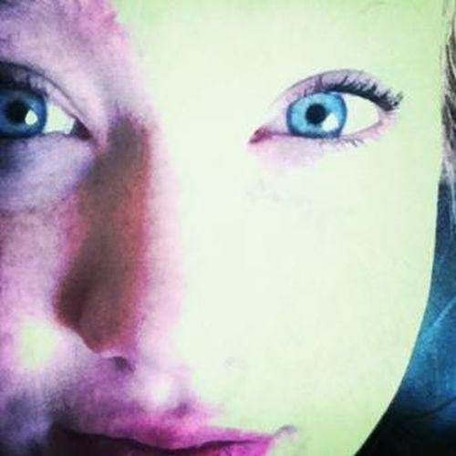 Blue eyesssse ✌