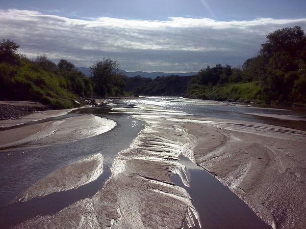 Natural Beauty River Mi Mundo  Traveling encontre este pequeño paraiso cerca de mi casa :)