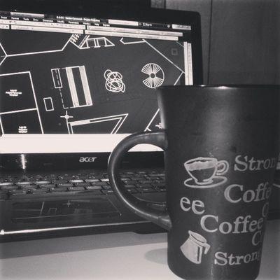 Projeto + eu + café = Vida de estudante de arquitetura na MADRUGADA