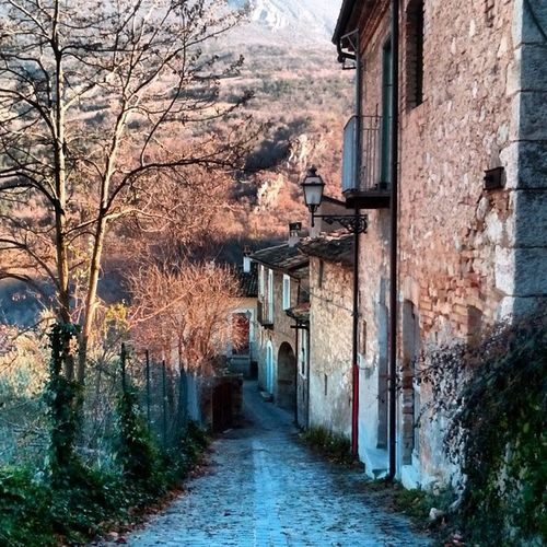 Anversa Degli Abruzzi Italy mountain sky cloud street italia picoftheday colors