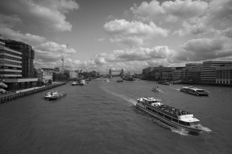 Thames View Architecture Water City Sky Travel Ship London Cityscape Transportation Monochrome Great Britain Thames River Wide Angle No People Travel Destinations Nautical Vessel Cloud - Sky Brexit Mode Of Transportation Barkasse Hafenrundfahrt Themse