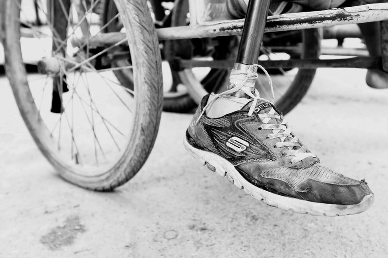 Shoe Bicycle Transportation Wheel Outdoors Low Section Close-up Human Leg Day People Prostheses Flounder Floundering Earn A Living