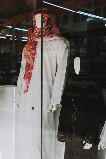 Traditional arabic clothing kandora and abaya for sale in the display