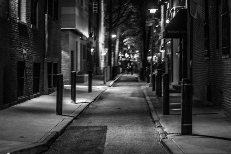 a narrow street in old city philadelphia,pa 215 Alley Architecture Building Building Exterior Built Structure City City Life Day Diminishing Perspective Empty Long Narrow No People Outdoors Philly Phillyphotographer Phillystreetphotography Residential Building Residential District Residential Structure The Way Forward Vanishing Point Walkway