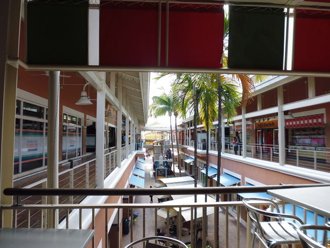 Bayside Marketplace - Miami, FL Architecture Bayside Marketplace Bayside Miami Fresh Air Susan A. Case Sabir Unretouched Photography Architectural Design Architecture Built Structure Clean Modern Open-air Market Outdoors Railing Rectangular Squares Tropical Climate
