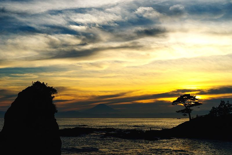 The End Of The Day Mt Fuji, Japan Seaside Rock Sunset View. Evening Sky Hayama Kanagawa,japan Sea And Sky Landscapes With WhiteWall Clouds And Sky Sky And Sea Beatyful Nature Hello World Landscape Thanksgod Getting Inspired